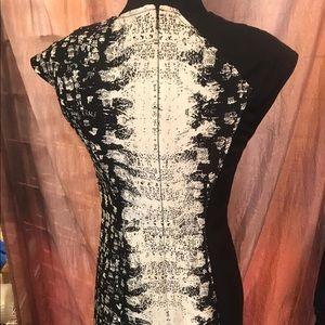 Stunning Magaschoni New York B&W dress Sz 0